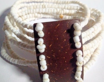 White and Brown Beaded bangle. Vintage. Stretch. Ethnic Bangle. Afrocentric Bangle. Afrocentric Accessories. Bohemian style.