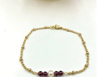 Garnet Bracelet, Garnet Pearl Bracelet, Red Bracelet, Garnet Bead Bracelet, Garnet and Pearl Bracelet, Garnet Bar Bracelet, January Jewelry