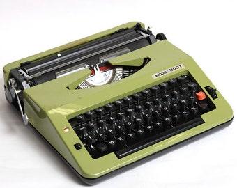 Vintage olive green typewriter Hebros 1300T, vintage manual typewriter, soviet green typewriter, mid century typewriter, vintage typewriter
