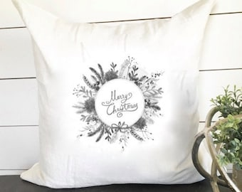 Merry Christmas Wreath Pillow Cover 18 x 18 // Christmas / Christmas Pillow / Holiday / Accent Pillow / Throw Pillow / Gift