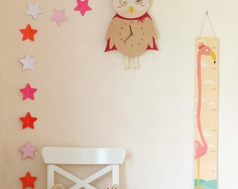 """Pretty OWL"" pendulum wall clock"