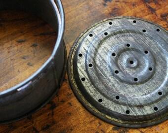 Vintage Cake Tin - Vintage Cake Pan