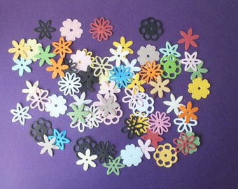 50 small assorted flowers Cards Scrapbooks Gift Tags Labels Floral theme Gardening