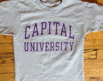 Vintage Capital University t shirt USA Small