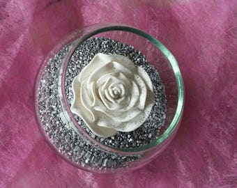 Decorative Rose Bud on his bed of sand