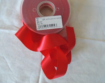 Red 25 mm wide satin ribbon