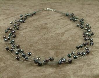 Black Pearl Wire Necklace (Κολιέ από Ατσαλόσυρμα με Μαύρα Μαργαριτάρια)