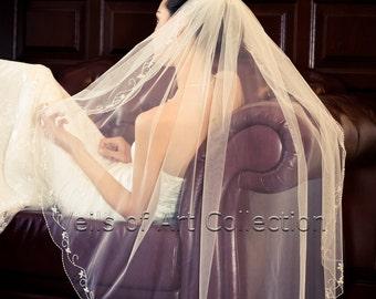 NWT 1T Fingertip Bridal Wedding Veil Scalloped Beaded Flower Motif Edge VE169 Handcrafted