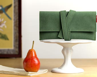 Pochette, wallet, clutch bag, green, greenery, vegan, tobacco, accessory cases, faux suede, Alcantara, mens, womens, gift.