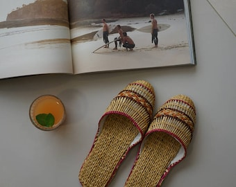 hand woven slippers, slides, raffia mules, rattan slippers, yellow grass, wicker house shoes, handmade slippers, woven slippersm, Room shoes