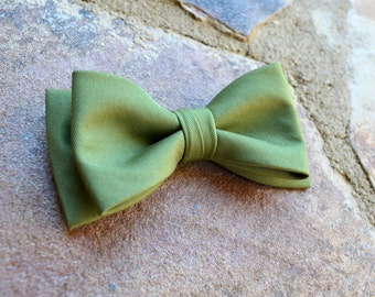Olive green bow tie,green bow ties,boys bow ties,bow ties for kids and adults,wedding bow ties,olive green weddings