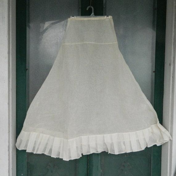 Vintage Ivory Stiff Crinoline Petticoat