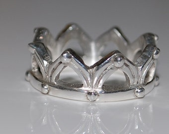 Monarch - Sterling silver crown ring - by Rain Kazymerchyk