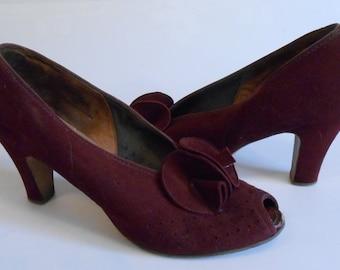 How Many Pairs is This Now - Vintage 1930s Dark Claret Burgundy Nubuck Double Rosette Shoe Pump Heels - 9