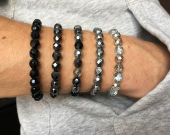 Elastic bracelet with glass beads - black / anthracite-grey / grey / silver (171101)