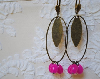Earrings in brass and 3 pink pearls