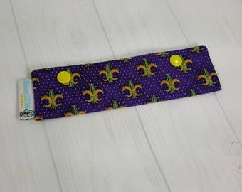 """Mardi Gras Short Needle Cozy DPN Holder, purple green and gold fleur de lis  project holder 7""""x2""""- (Hold up to 6"""" Needles) NCS0042"""