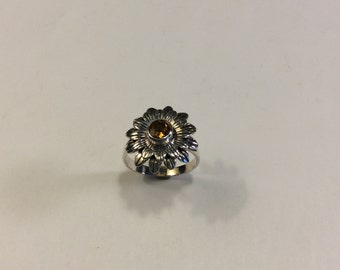 sterling silver daisy ring with faceted citrine