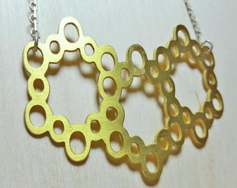 Honeycomb Necklace, Geometric necklace, Gold beehive necklace, honeycomb bee pendant, honeycomb jewelry, Short Necklace, Gift for Her