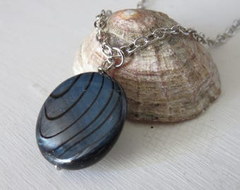 Dyed Shell Pendant Necklace