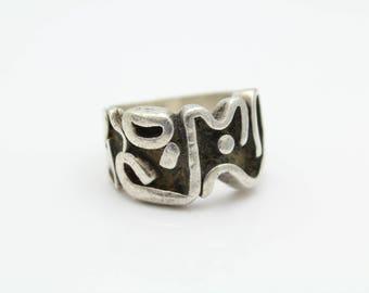 Chunky Vintage Tribal Sanskrit Ring in Sterling Silver Size 9. [12065]