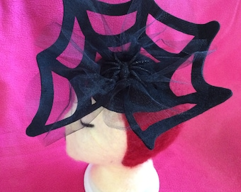 Black Felt Spider Web - spiderweb - Fascinator with Tulle and Glitter Spider