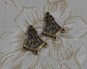 LuxeOrnaments Oxidized Brass Filigree 4 Ring Pendant Art Deco (Qty 1) 20x13mm G-6649-D-B