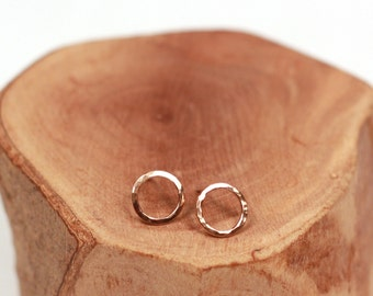 rose gold hammered circle post earrings | tiny circle stud earrings | rose gold everyday studs