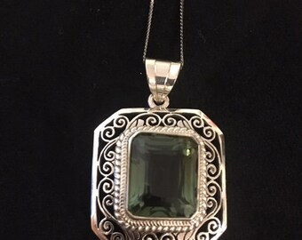 Green Quartz and fine Silver pendant