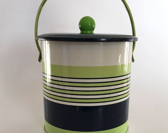 A 1960's Baret Ware tin biscuit barrel