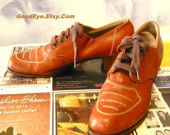 Vintage MADAM DETROIT Granny Oxfords / 1950s Shoes size 8 aaa  / Leather Lace Up Brogues Flats Narrow Width Eu 38 .5 UK 5.5