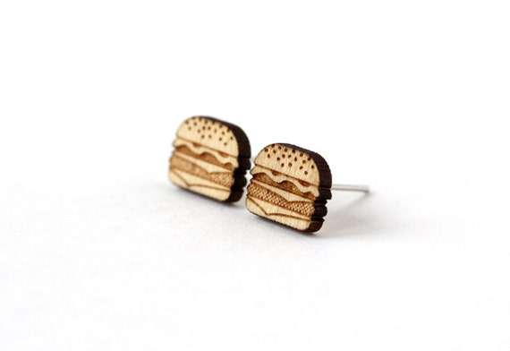 Burger stud earrings - lasercut maple wood - tiny post earrings - mini jewelry - graphic kitsch jewellery - hypoallergenic surgical steel