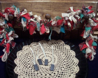 Primitive Country Raggedy Tattered Christmas RAG GARLAND Swag Skirting Wrap Drape with Ornie Clips (PRS-005)