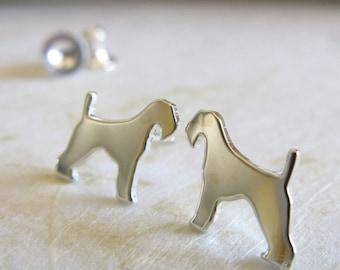 Airedale Terrier Ohrstecker. Sterling Silber, 14 k gold gefüllt oder solide 14 k gelb Gold. Einfache Schmuck. Hundeliebhaber. Kontur-minimalistisch