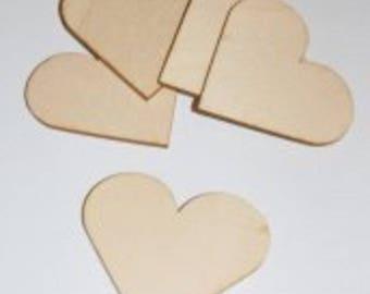4 heart wood / 7.5 x 6.5 cm