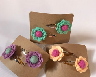 Felt flower hair clip set