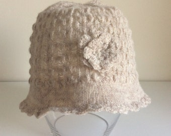 Girl's Knitted Lambswool Hat