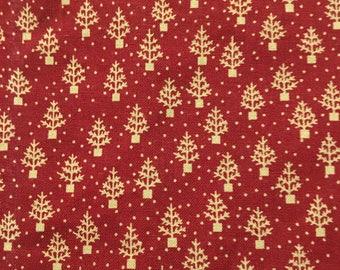 Christmas Trees On Burgundy (4) Cloth Dinner Napkins