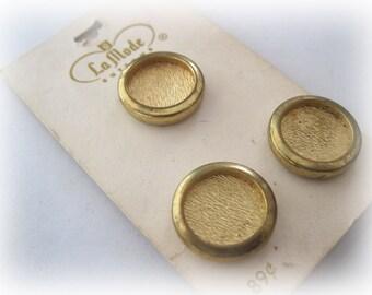 La Mode Gold Buttons Vintage Carded VB-10