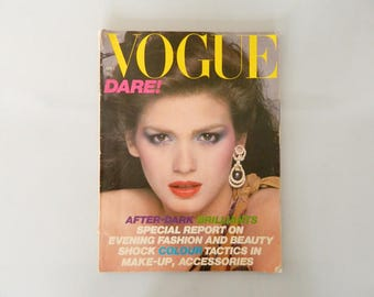 Vintage Vogue 1975, 70s magazine, 70s newspaper, Fashion journal, fashion