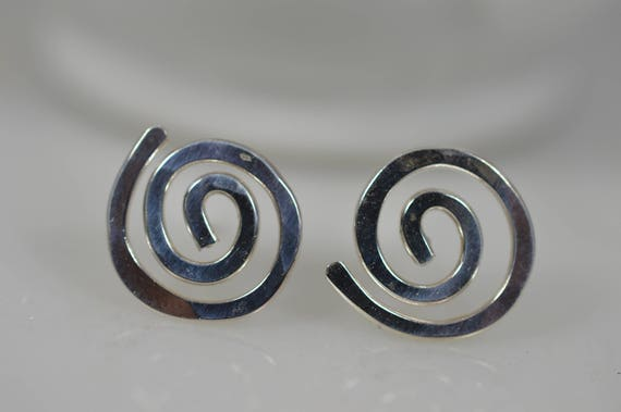 925 Sterling Silver Spiral Earrings