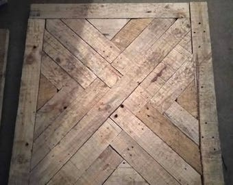 Pallet wood pedastool brunch table with herringbone design. Can be stained and cut to specific height and color. Please notify me via phone