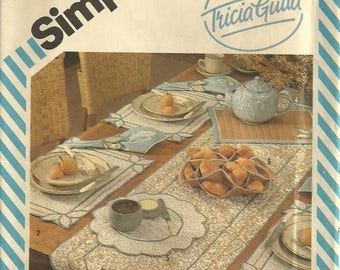 Simplicity 6229 Vintage Table Runner Placemat Napkins Trivet Bun Cozy Sewing Pattern