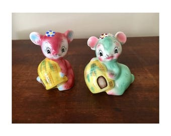 Rare PY miyao japan kitsch bear pastel coloured salt and pepper shakers