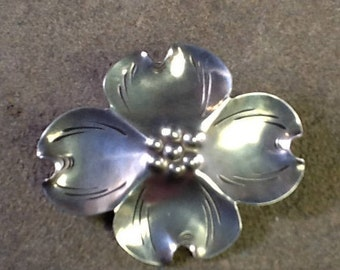 Vintage Dogwood Flower Sterling Silver Brooch~Stuart Nye Arts and Crafts~Vintage Pin~Floral Pin~Dogwod Blossom~Perfect Condition~