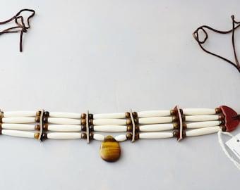En forme de larme Tiger Eye Pendentif, perles en os véritable, pow wow, drum circle, soho, boho