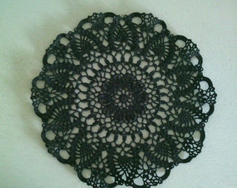 napperon noir au crochet