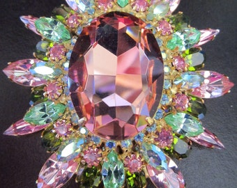 DiMARTINO ORIGINALS Rose Pink & Green Rhinestone Pin In Original Box!