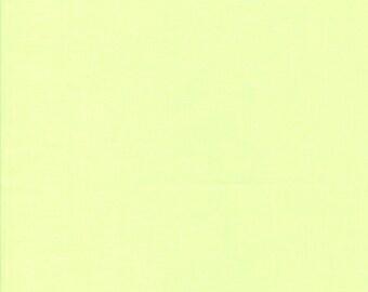 Tissu coton uni couleur vert très pâle
