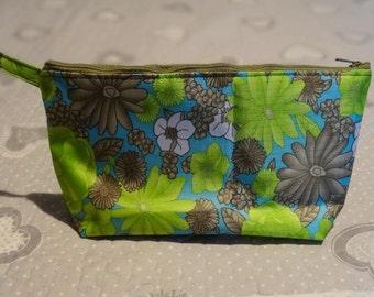 Waterproof vintage fabric cosmetic bag